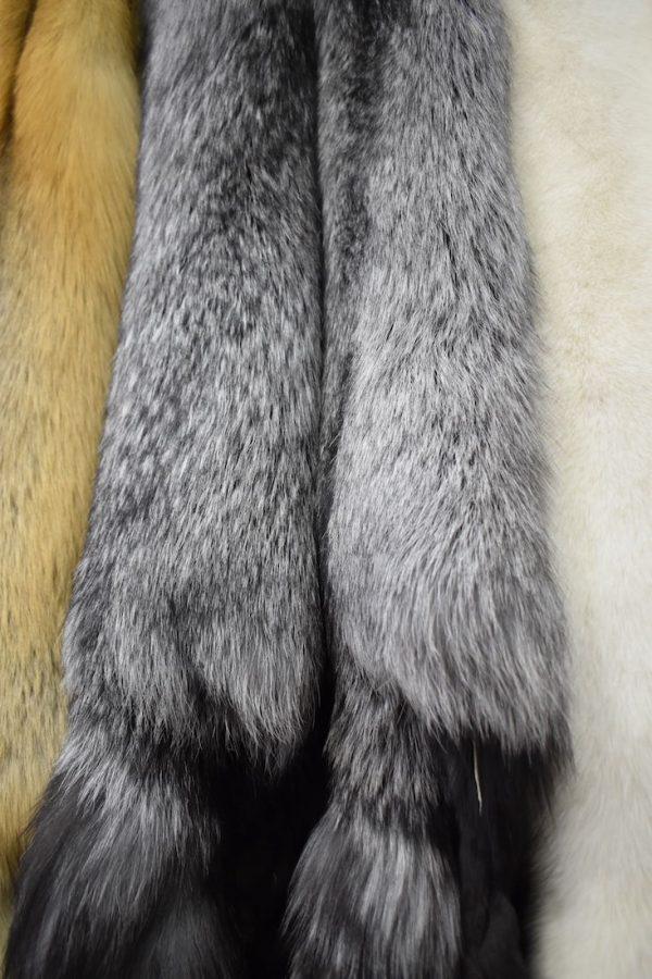 Хутро чорнобурої лисиці